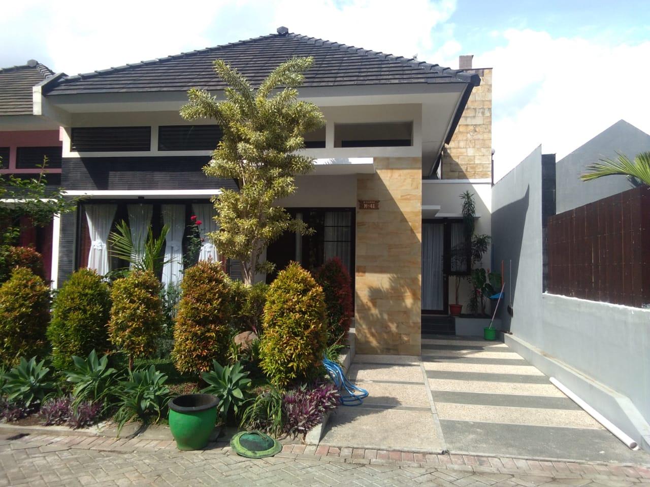 batureservasi.com - Villa Pinus M41 Kota Wisata Batu Malang